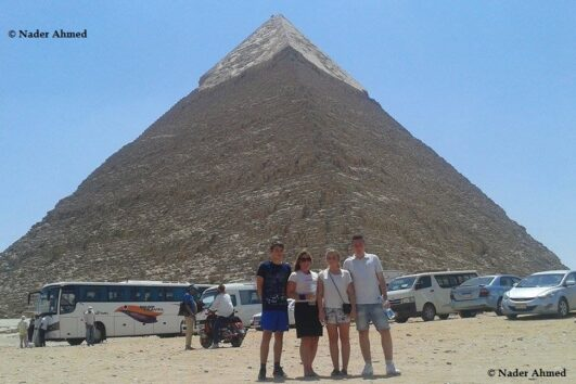 A VIP day trip to Cairo by bus