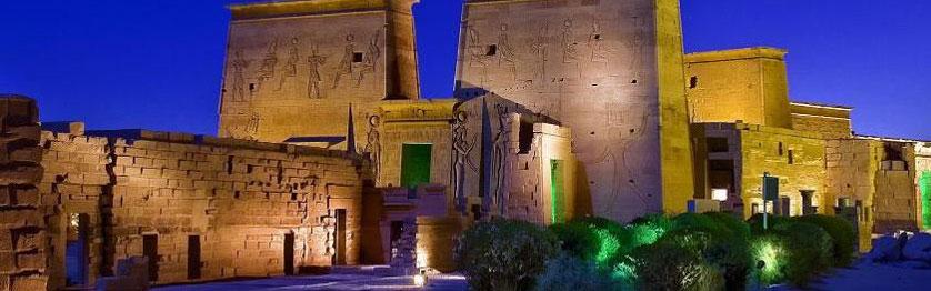 Lys og Lyd showet ved Philae templet