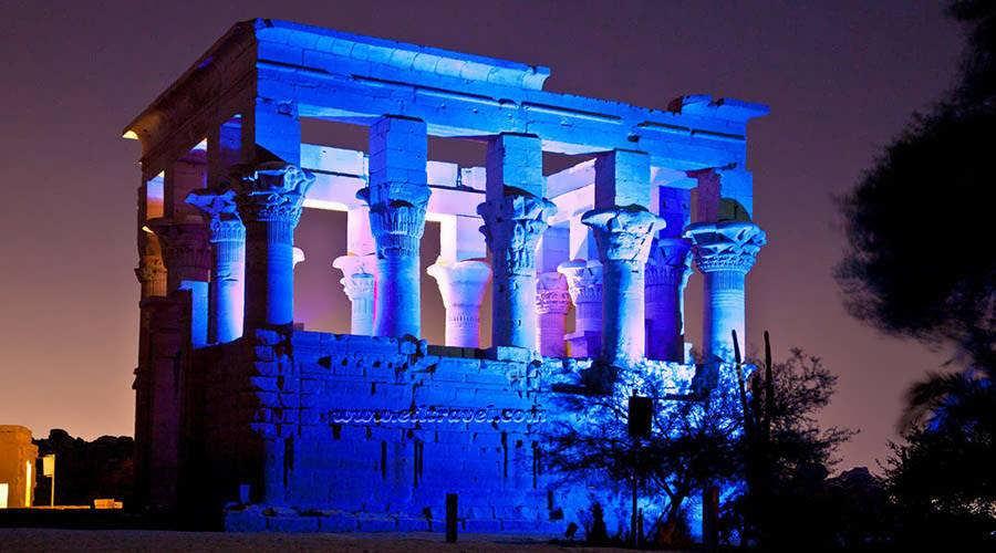 Lys og Lyd showet ved Philae templet Aswan